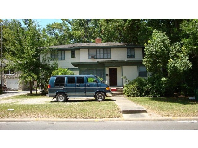 1 BR,  1.00 BTH  Apartment style home in Gainesville